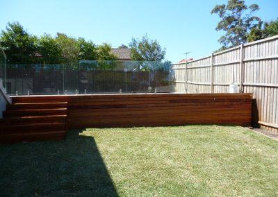 Retaining Walls/Turf Laying
